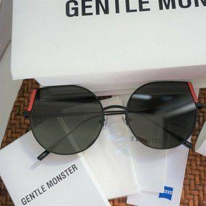 Gentle Monster Sunglasses DAN M02 in Black